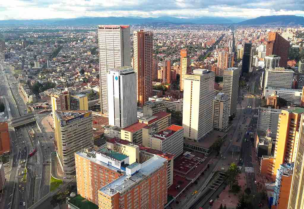 Bogotá, Hauzptstadt von Kolumbien, ist die boomende Wirtschafts- und Finanzmetropole des Landes (Foto: Wiki Commons,  EEIM, CC BY-SA 3.0)