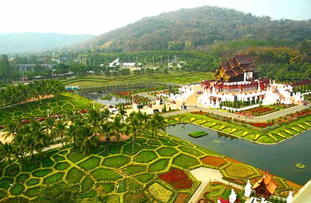 Spazieren im Garten von Chiang Mai (Foto: Green Pearls)