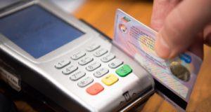 Firmenkreditkarten werden von Geschäftsreisenden oft für private Einkäufe verwendet (Foto: Ahmad Ardity, Pixabay)