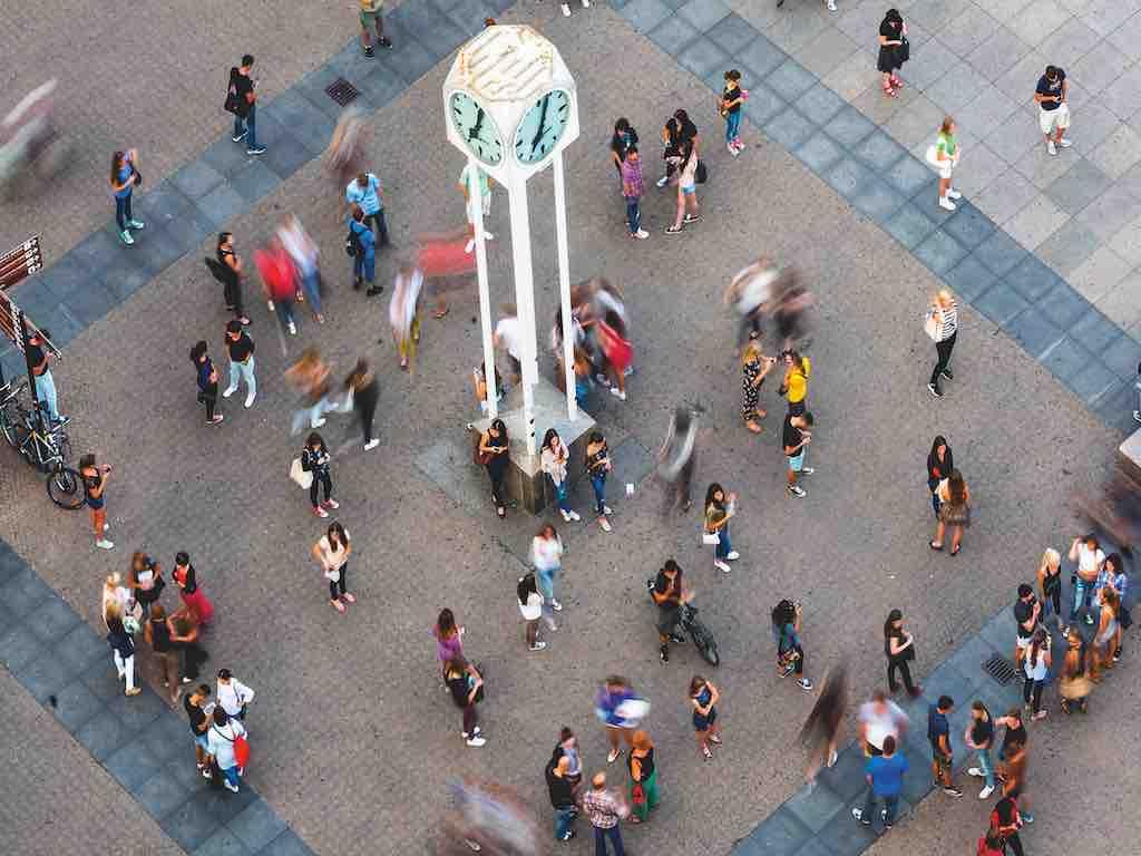 Beliebter Treffpunkt in Zagreb ist die Uhr am Ban Jelacic Platz (Foto: D. Rostuhar, InfoZagreb)