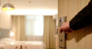 Strenge Stornobedingungen verteuern für Unternehmen die Hotelprogramme (Foto: Pixabay, Ming Dai)