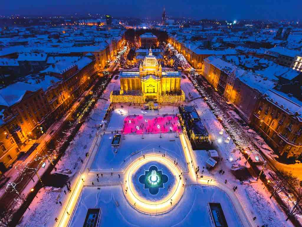 Advent in Zagreb: Blick auf den Eis-Park (Foto: D. Rostuhar, InfoZagreb)