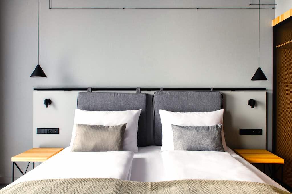 Funktionalität und Coolness zeichnen die Zimmer im Vienna House Mokotow Warsaw aus (Foto: Tomek Kowalski))