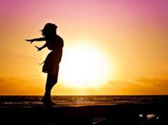 Alleinreisen ist in: Vor allem Frauen gehen immer öfter auf Solo-Reisen (Foto: Jill Wellington, Pixabay)