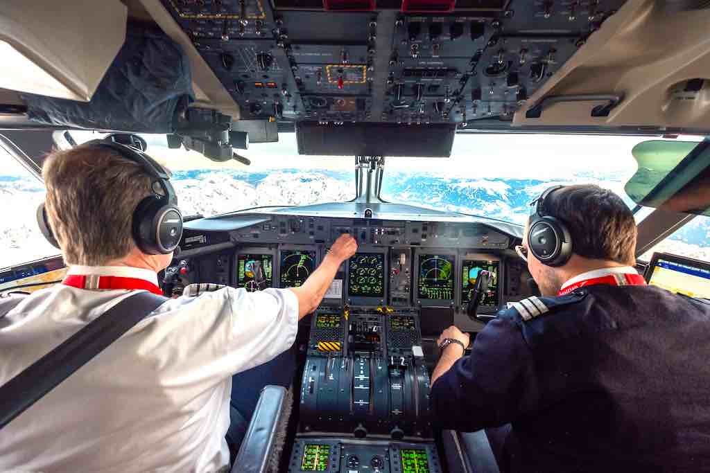 Mit der Ausflottung von 18 Dash-Turbuprop-Maschinen will Austrian Airlines den dezentralen Flugverkehr neu organisieren (Foto:  Alex Cheban, Austrian Airlines)