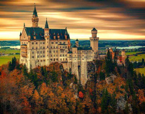 Der Incoming-Tourismus wächst und wächst. Nicht nur das prachtvolle Schloss Neuschwanstein profitiert von diesem Boom, auch Städte und Regionen verzeichnen satte Zuwächse (Foto: Johannes Plenio, Pixabay)