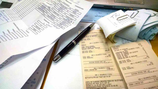 Sparen bei Geschäftsreisen ist in allen Unternehmen angesagt, aber wie kann gespart werden? (Foto: Adriani Gadini, Pixabay)