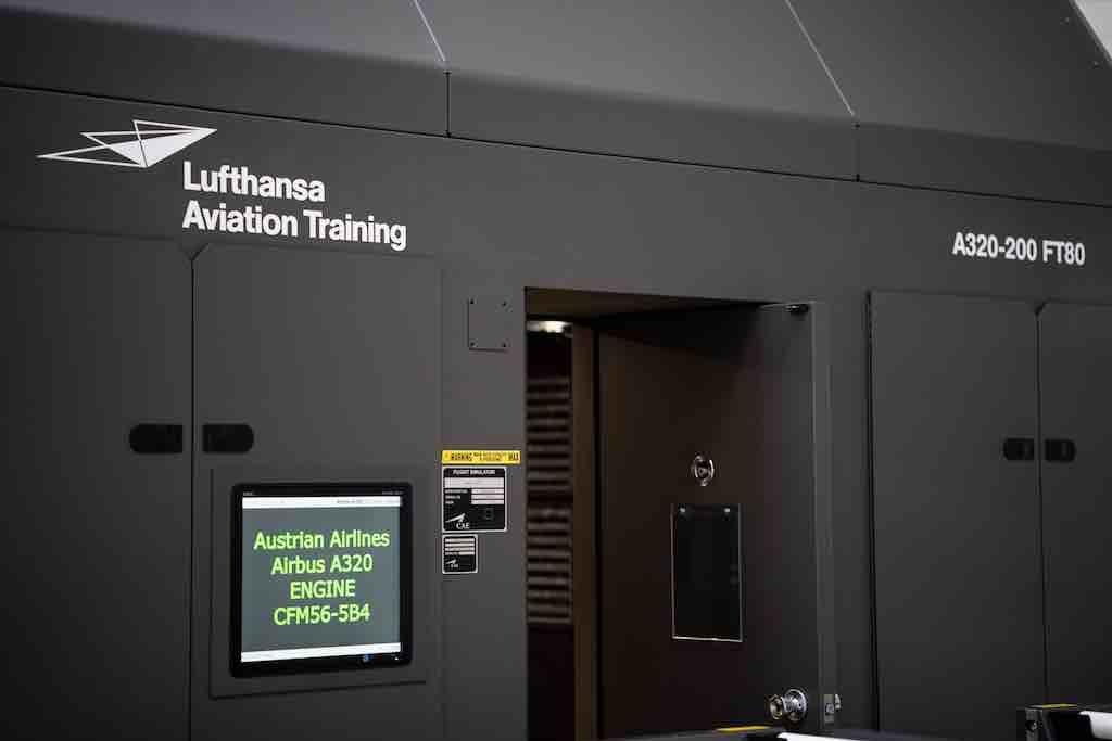 Lufthansa Aviation Training: Im Airbus A320-Simulator werden Piloten der Austrian Airlines geschult (Foto: LAT)