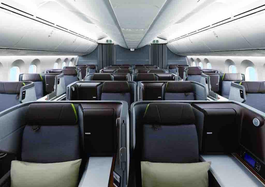 Großzügiges Raum- und Platzangebot in der Royal Laurel Class im Dreamliner