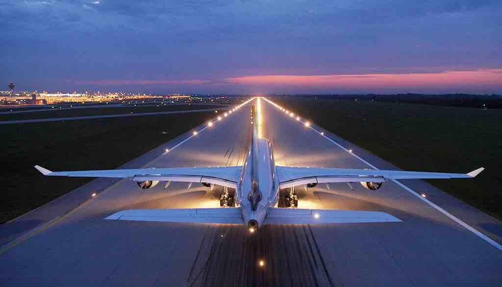 Junge Reisende und Frauen lassen sich das Fliegen nicht vermiesen (Foto: Flughafen München)