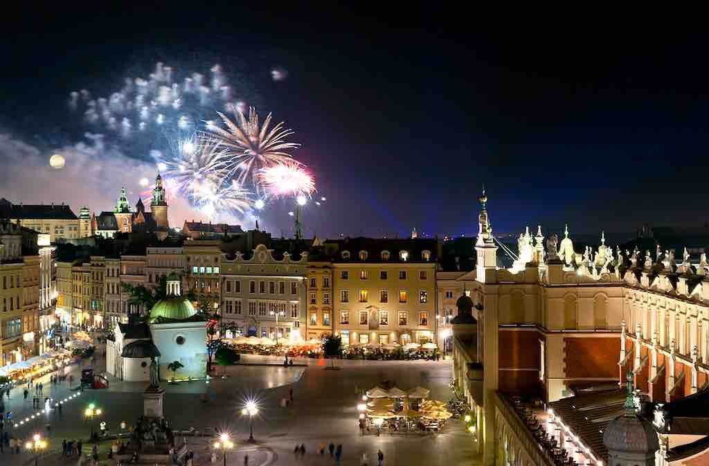 MICE-Destination Krakau: Die frühere Königstadt ist heute Polens beliebtestes Städtereiseziel. Am Hauptplatz Rynek Główny kreuzen sich die Wege aller Besucher (Foto: P. Krzan)