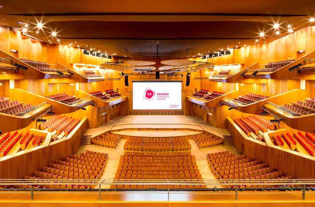 """Krakow: In der großen """"Auditorium Hall"""" des Krakauer Congress Centre ICE finden Großveranstaltungen jeder Art statt"""