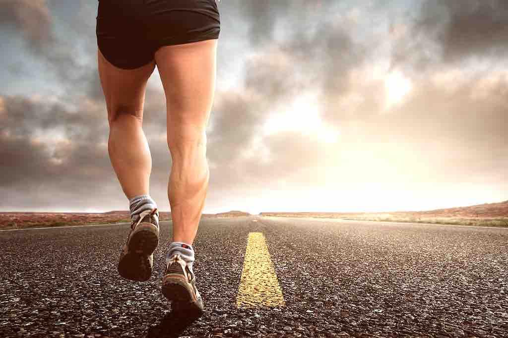 Mit Jogging gesund und fit werden für den nächsten Geschäftstermin Foto: Composita, Pixabay)