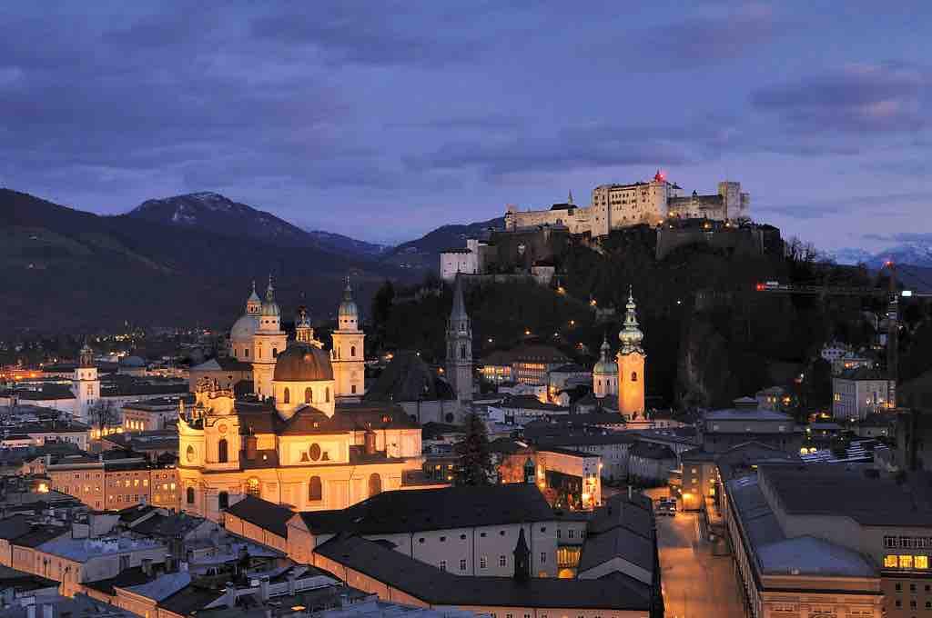 Salzburg, die Stadt an der Salzach, ist ein Touristenmagnet (Foto: Taxiarchos228 [FAL], via Wikimedia Commons)