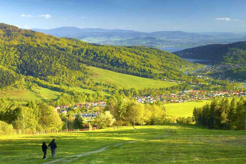 Der traumhafte Panorama-Ausblick vom Berg Zar in den Beskiden ist einen Ausflug wert (Foto: www.slaskie.travel, Tomasz Gebus)