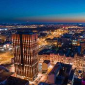 Moderne Büropaläste und denkmalgeschützte Industriearchitektur bestimmen das äußerliche Bild von Lodz (Foto: LOT)