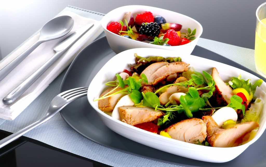 Tafeln wie im Bistro: Kulinarisches Erlebnis ohne Plastikbesteck (Foto: Delta Air Lines)