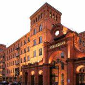 """Das """"Vienna House Andel's Hotel"""" in einem historischen Industriegebäude integriert in Lodz (Foto: LOT)"""