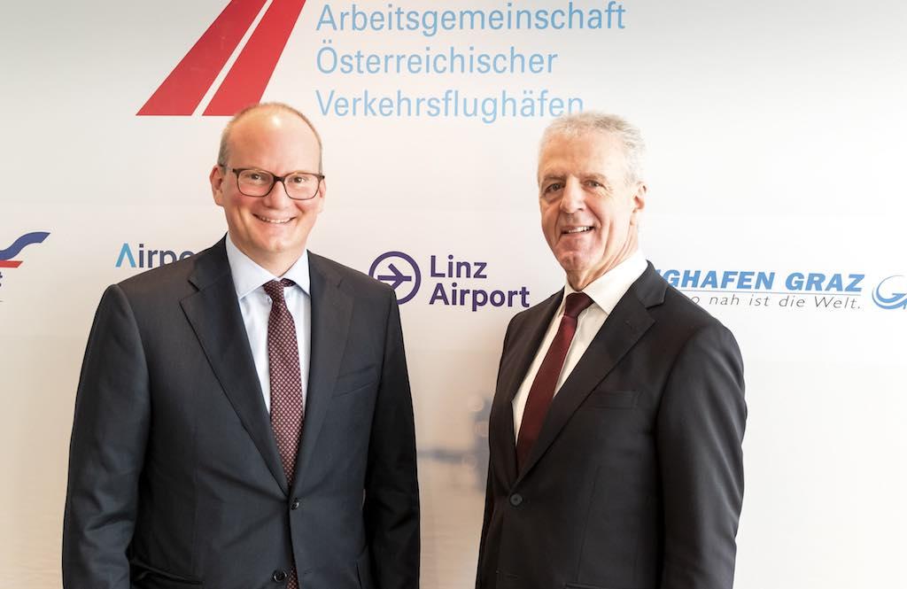 Österreichs Flughäfen wollen bis 2050 emissionsfrei werden: Dieses Ziel haben sich Julian Jäger, Präsident AÖV und Vorstand Flughafen Wien AG und Gerhard Widmann, Vizepräsident AÖV und Geschäftsführer Flughafen Graz, gesetzt (Foto: AÖV)