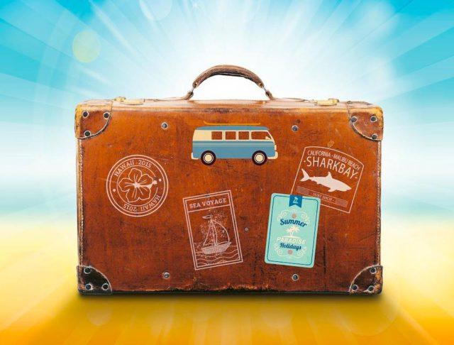 Bekommen Reisende jetzt Gutscheine statt Geld zurück für ihre stornierte Urlaubsreise? (Foto: Pixabay)
