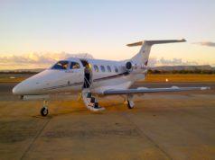 Zum Start bereit: Arcus Air Jet Phenom 100. Ideal für Geschäfts- und Privatreisende, die bequem und sicher zu ihrem Ziel fliegen möchten