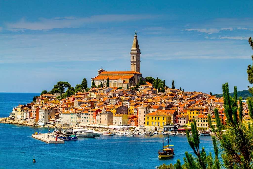 Für viele Kroatien-Urlauber ist die idyllische Hafenstadt Rovinj ein beliebtes Reiseziel in Istrien (Foto: Pixabay)