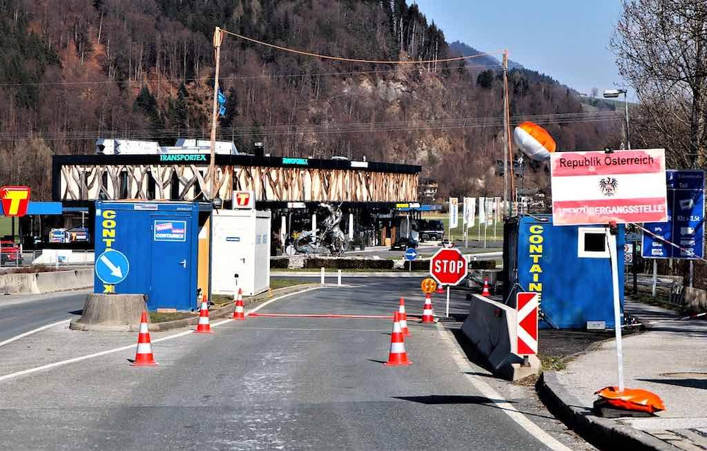 Wegen des Corona-Virus am Balkan gibt e an Österreichs Grenzen strenge Kontrollen (Foto: Reinhard Thrainer, Pixabay)