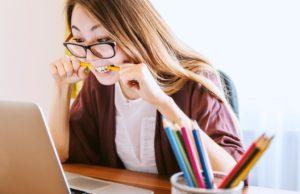 Wenig Verständnis haben Unternehmen für die Doppelbelastung ihrer Mitarbeiter im Homeoffice (Foto: Jan Vašek, Pixabay)