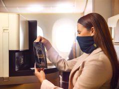 Passagiere der First und Business Class von Etihad Airways erhalten kostenlos eine Gesichtsmaske (Foto: Etihad Airtways)