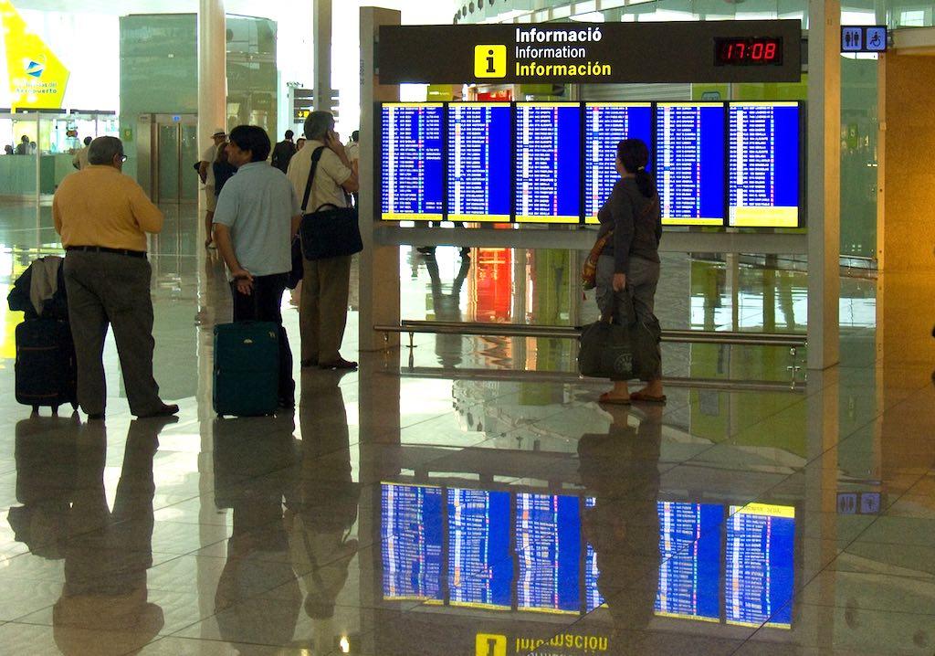 Das ewige Warten bei einer Flugverspätung bringt so manchen Reisenden auf die Palme  (Foto: Pixabay)