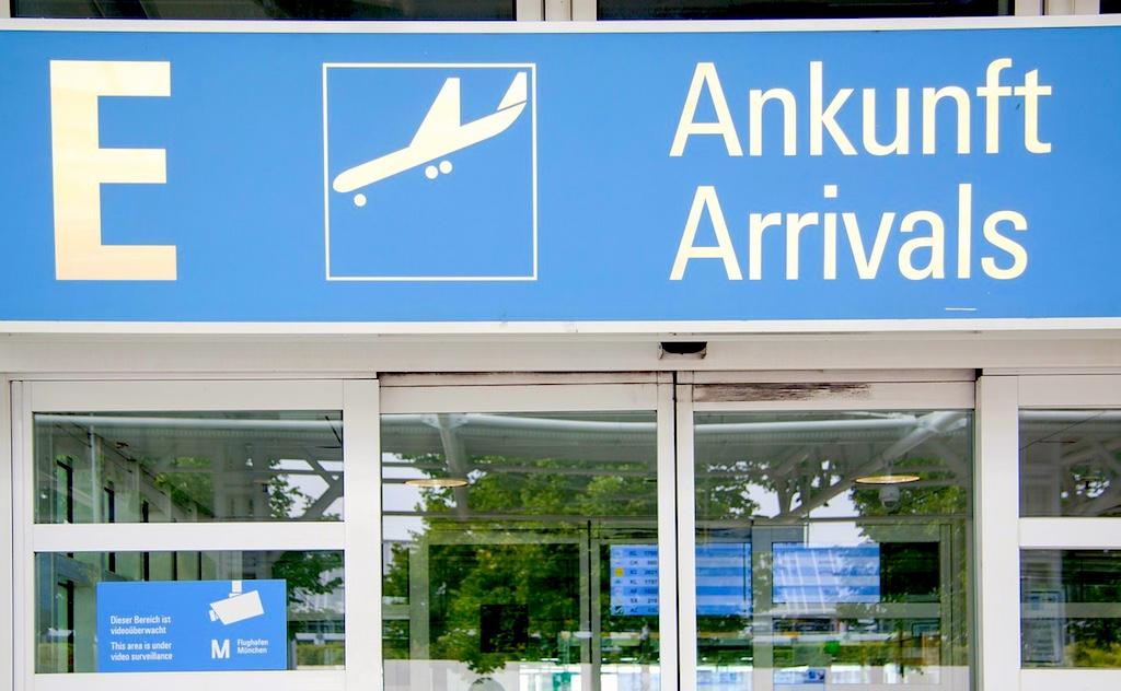 Warten auf die Reisenden aus Übersee: Flugzeuge der Airlines sind länger auf dem Boden als in der Luft (Foto: Flughafen München GmbH)