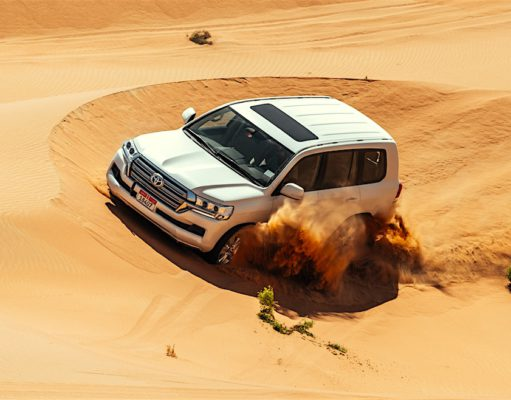 Das große Offroad-Abenteuer lockt: Sechs sandige Offroad-Routen in der Wüste des Emirats Abu Dhabi sorgen für Hersusforderung (Foto: © DCT Abu Dhabi)
