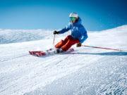 Warum nicht die Dienstreise mit Skiurlaub verbinden? (Foto: Maarten Duineveld, Unsplash)
