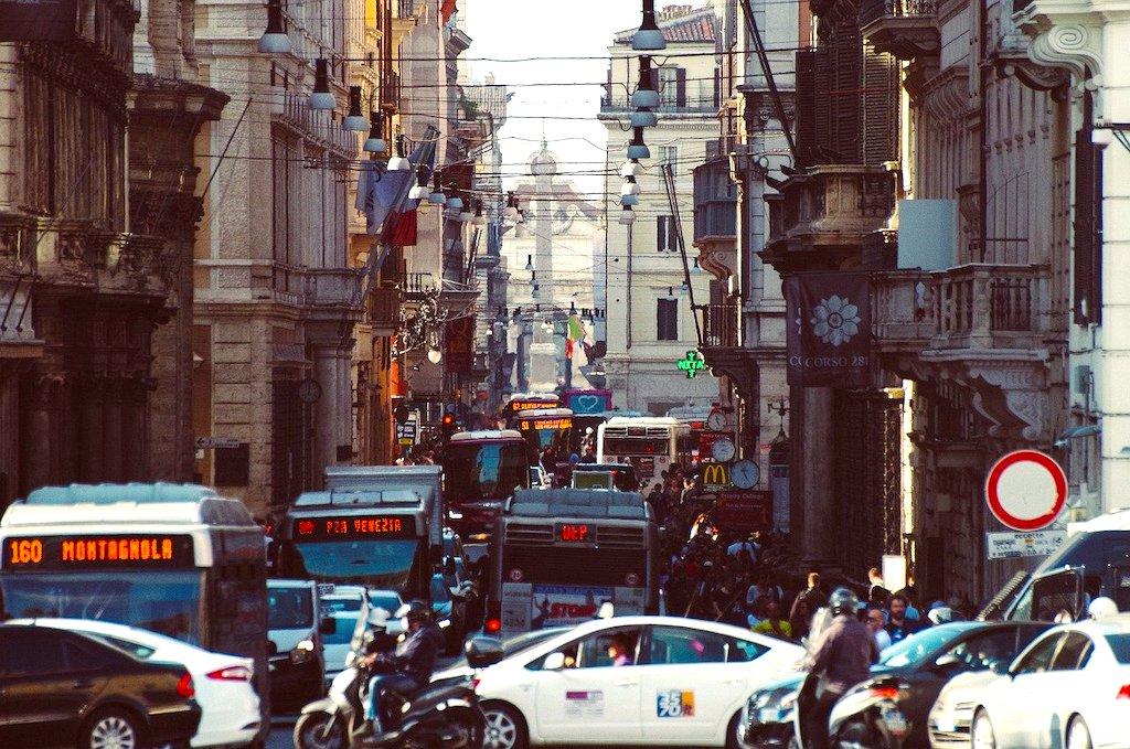 Autoverkehr in Italien