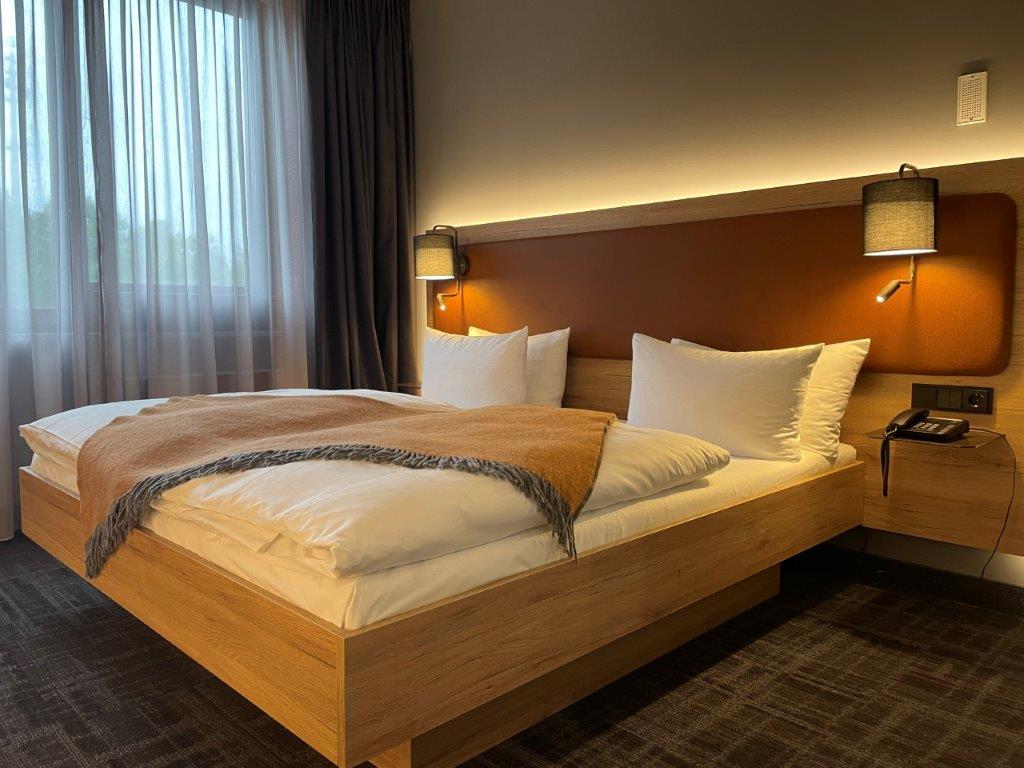 Mit seiner zentralen Lage ist das moderne Stadthotel ideal für Urlaubs- als auch Geschäftsreisende